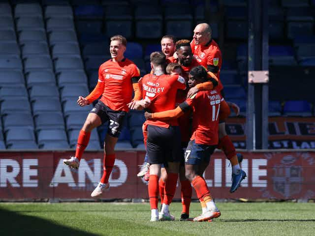 🎥 EFL Performance of the Week: Luton send Norwich up; L1 gets tight