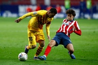 Barcelona and Atlético name starting XIs for title showdown