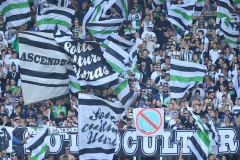 Artikelbild: https://image-service.onefootball.com/resize?fit=max&h=608&image=https%3A%2F%2Fwp-images.onefootball.com%2Fwp-content%2Fuploads%2Fsites%2F11%2F2018%2F05%2FFC-Augsburg-v-Borussia-Moenchengladbach-Bundesliga-1527094529-768x432.jpg&q=25&w=1080