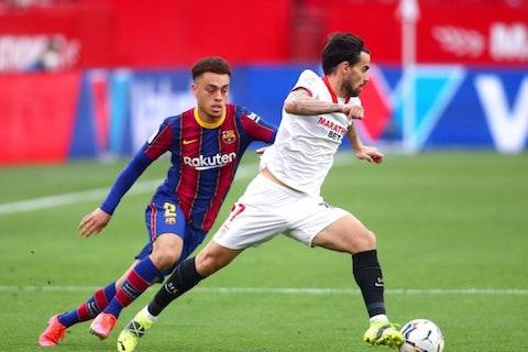 Imagen del artículo: https://image-service.onefootball.com/crop/face?h=810&image=https%3A%2F%2Fwp-images.onefootball.com%2Fwp-content%2Fuploads%2Fsites%2F12%2F2021%2F03%2FSevilla-FC-v-FC-Barcelona-La-Liga-Santander-1614574437-1000x750.jpg&q=25&w=1080