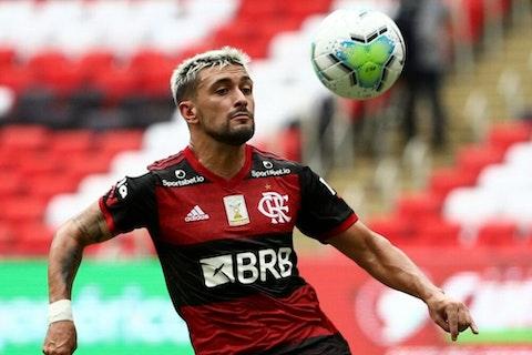 Imagem do artigo: https://image-service.onefootball.com/crop/face?h=810&image=https%3A%2F%2Fwp-images.onefootball.com%2Fwp-content%2Fuploads%2Fsites%2F13%2F2021%2F02%2FBrasileirao-Series-A-Flamengo-v-Internacional-1614076773-1000x750.jpg&q=25&w=1080