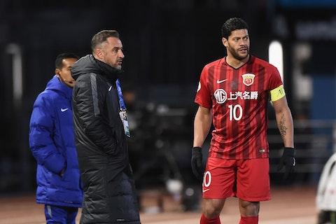 Imagem do artigo: https://image-service.onefootball.com/resize?fit=max&h=721&image=https%3A%2F%2Fwp-images.onefootball.com%2Fwp-content%2Fuploads%2Fsites%2F13%2F2021%2F02%2FKawasaki-Frontale-v-Shanghai-SIPG-AFC-Champions-League-Group-F-1613443353.jpg&q=25&w=1080