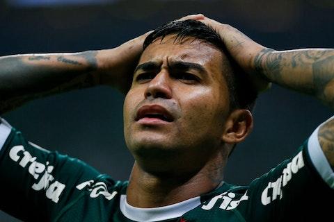 Imagem do artigo: https://image-service.onefootball.com/resize?fit=max&h=671&image=https%3A%2F%2Fwp-images.onefootball.com%2Fwp-content%2Fuploads%2Fsites%2F13%2F2021%2F02%2FPalmeiras-v-Chapecoense-Brasileirao-Series-A-2019-1613909549.jpg&q=25&w=1080