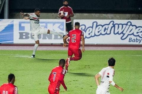 Imagem do artigo: https://image-service.onefootball.com/crop/face?h=810&image=https%3A%2F%2Fwp-images.onefootball.com%2Fwp-content%2Fuploads%2Fsites%2F13%2F2021%2F03%2Fimago1001049419h-1000x665.jpg&q=25&w=1080