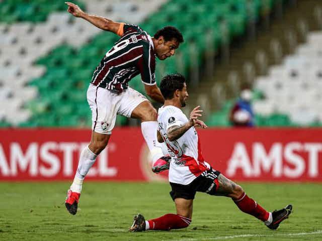 Flu sai atrás, mas busca empate contra o River Plate na estreia