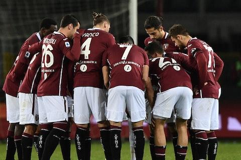 Immagine dell'articolo: https://image-service.onefootball.com/crop/face?h=810&image=https%3A%2F%2Fwww.calcionews24.com%2Fwp-content%2Fuploads%2F2020%2F12%2FTorino-Toro.jpg&q=25&w=1080