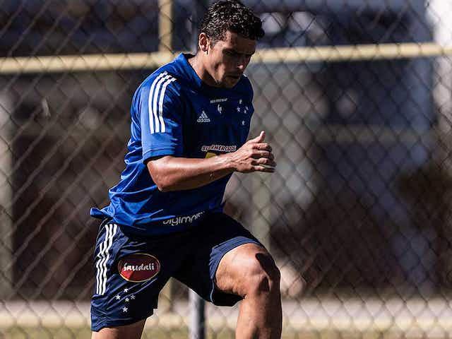 Cruzeiro tem três dias para quitar dívida com Jean