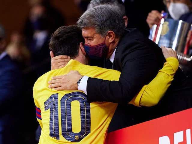 Laporta festeja la Copa del Barça... ¡Y habla de la renovación de Messi!