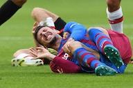 Alarma en el Barça: Lenglet, 'tocado' tras el partido ante el Stuttgart
