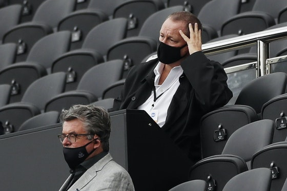 Article image: https://image-service.onefootball.com/crop/face?h=810&image=https%3A%2F%2Fwww.footballfancast.com%2Fwp-content%2Fuploads%2F2021%2F02%2FNewcastle-United-owner-Mike-Ashley-wearing-a-protective-face-mask-in-the-stands-v-Brighton-Hove-Albion.jpg&q=25&w=1080
