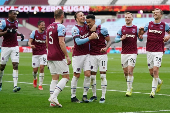 Article image: https://image-service.onefootball.com/crop/face?h=810&image=https%3A%2F%2Fwww.footballfancast.com%2Fwp-content%2Fuploads%2F2021%2F06%2Fwest-ham-loanee-jesse-lingard-celebrates-with-teammates-afte-rscoring-against-leicester-city-in-the-premier-league-e1622626867950.jpg&q=25&w=1080