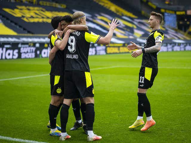 Il Dortmund resta in corsa per la Champions