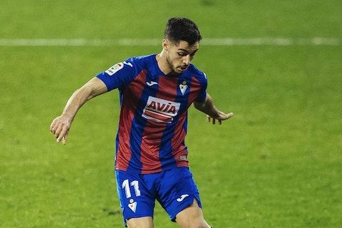 Imagen del artículo: https://image-service.onefootball.com/crop/face?h=810&image=https%3A%2F%2Fwww.futbolete.com%2Fwp-content%2Fuploads%2F2021%2F02%2FEibar-vs-Huesca.jpg&q=25&w=1080