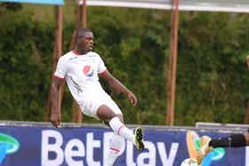 Imagen del artículo: https://image-service.onefootball.com/crop/face?h=810&image=https%3A%2F%2Fwww.futbolete.com%2Fwp-content%2Fuploads%2F2021%2F07%2FJhon-Palacios-explico-la-forma-en-la-que-Juan-Carlos-Osorio-lo-descubrio.jpg&q=25&w=1080