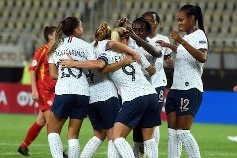 Imagen del artículo: https://image-service.onefootball.com/resize?fit=max&h=734&image=https%3A%2F%2Fwww.futbolisticas.com%2Fwp-content%2Fuploads%2F2020%2F10%2Ffbl-euro-women-2021-qualifier-mkd-fra.jpg&q=25&w=1080