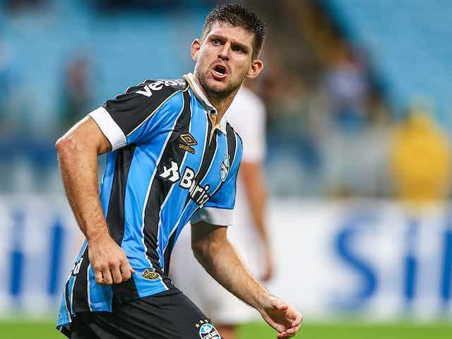 """Frustrado, Kannemann admite que Grêmio """"perdeu a cabeça"""" durante eliminação para o Del Valle"""