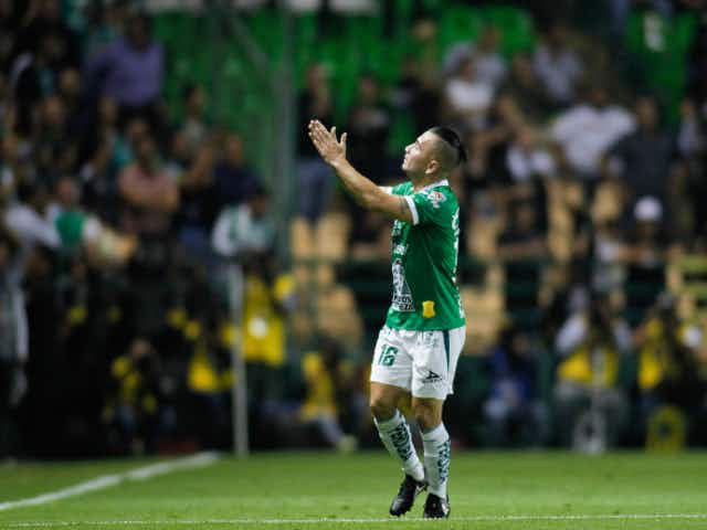 Puro Chile: León venció a Juárez con goles de Meneses y Dávila