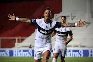 Boca se rindió con Cavani y apunta a Lucas Barrios como fichaje