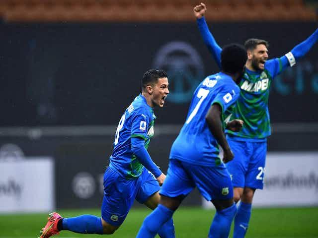 Sassuolo lo dio vuelta ante Milan y le dio una mano al Inter